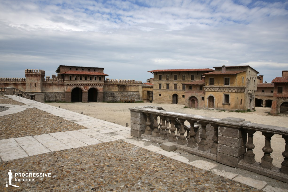 Renaissance City Backlot: City Wall (Main Square View)