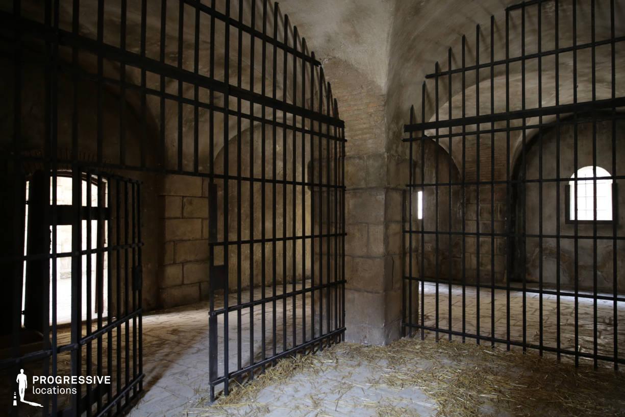 Renaissance City Backlot: Prison, Cell
