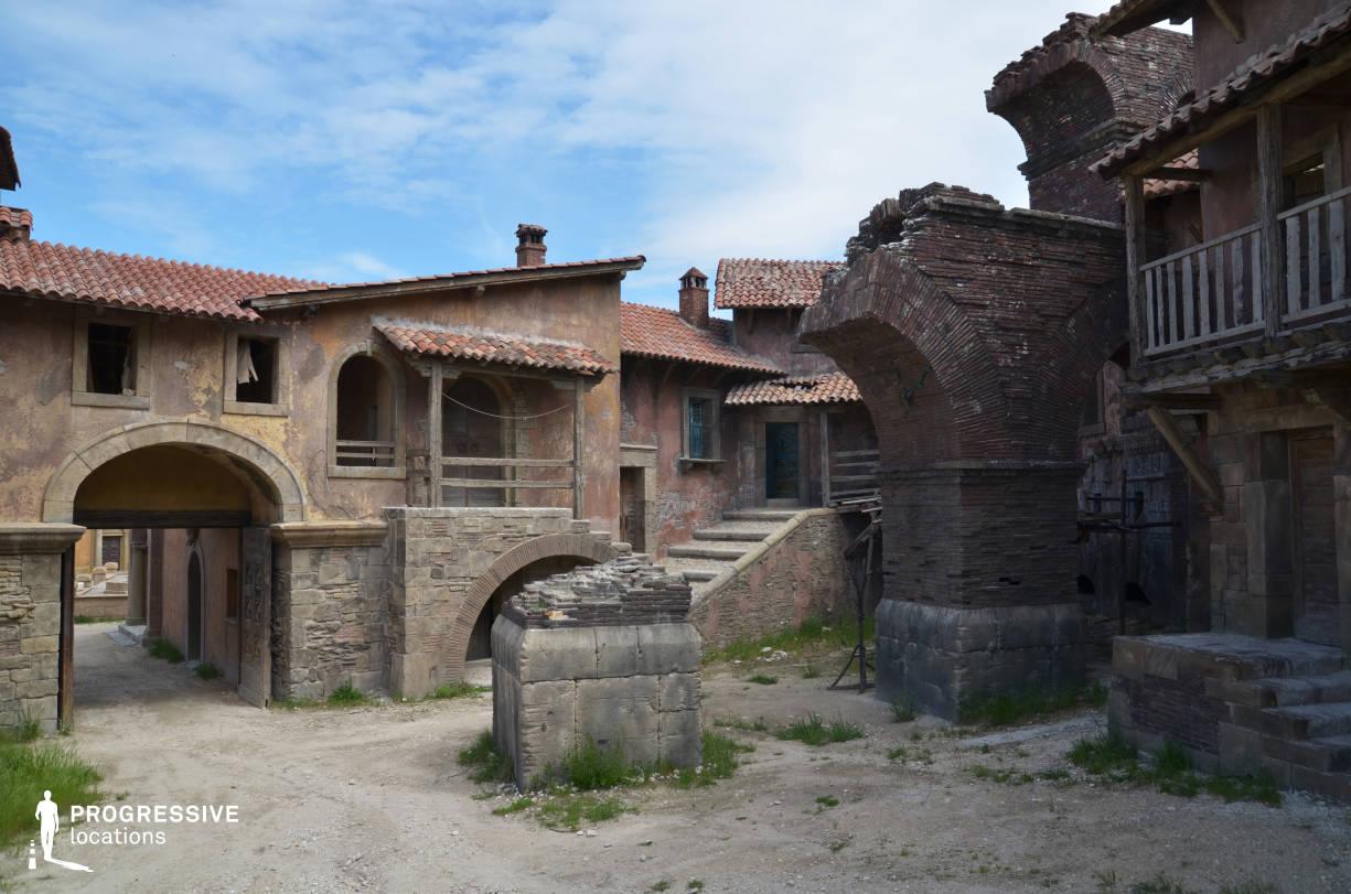 Renaissance City Backlot: Terracotta Roof Houses