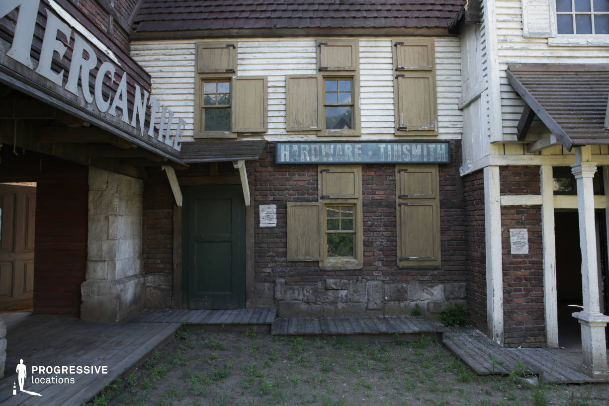 Western Town Backlot: Hardware Store
