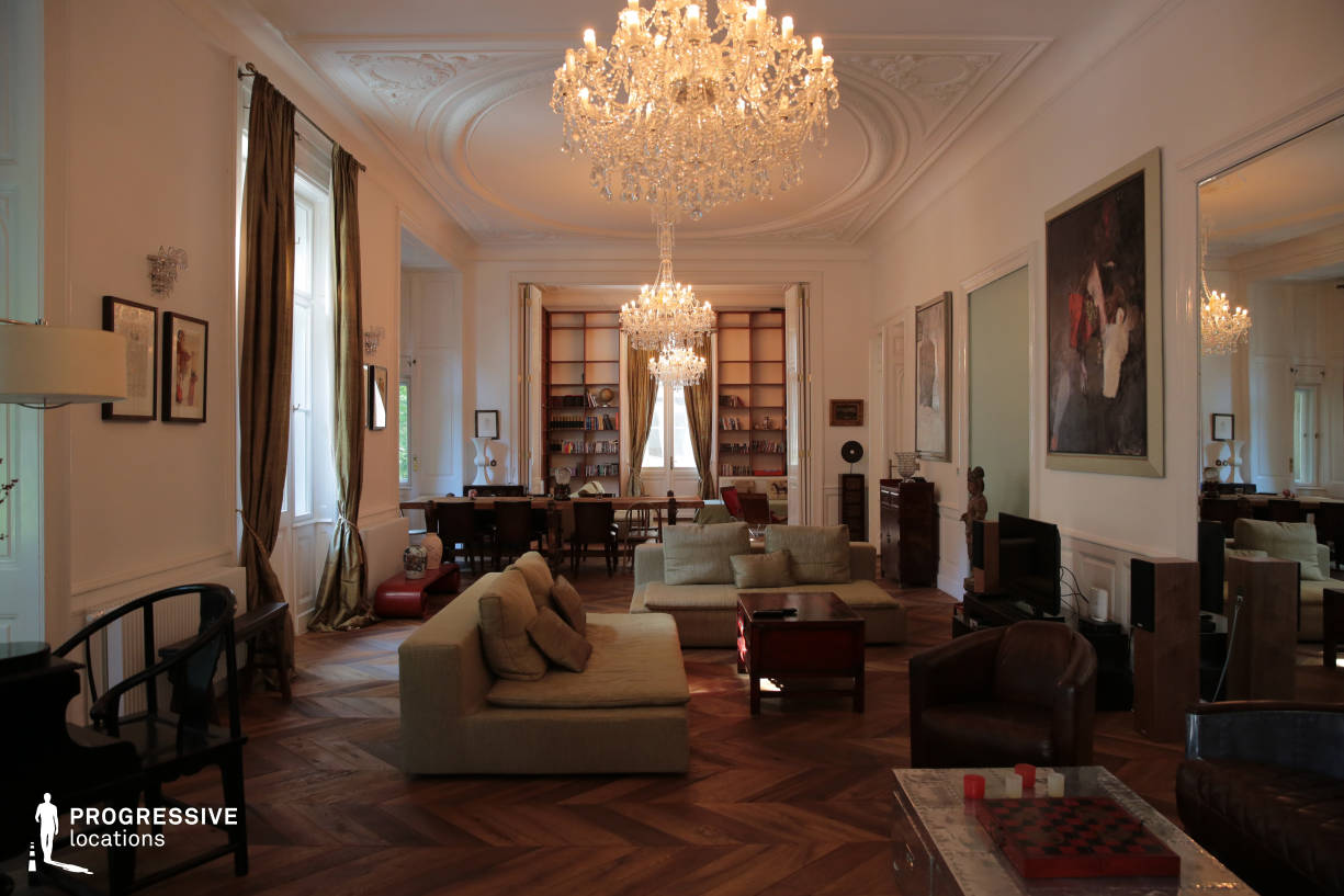Locations in Budapest: Luxury Living Room