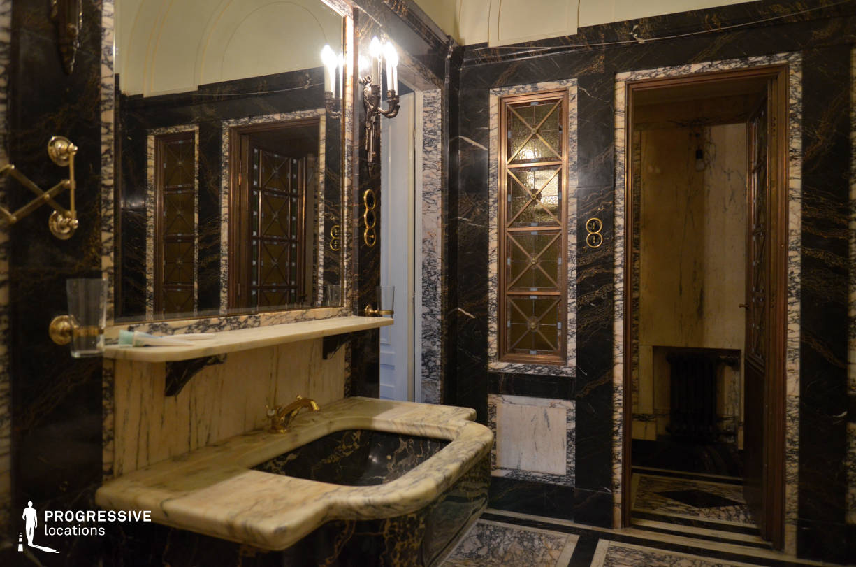 Locations in Budapest: Old Marble Bathroom