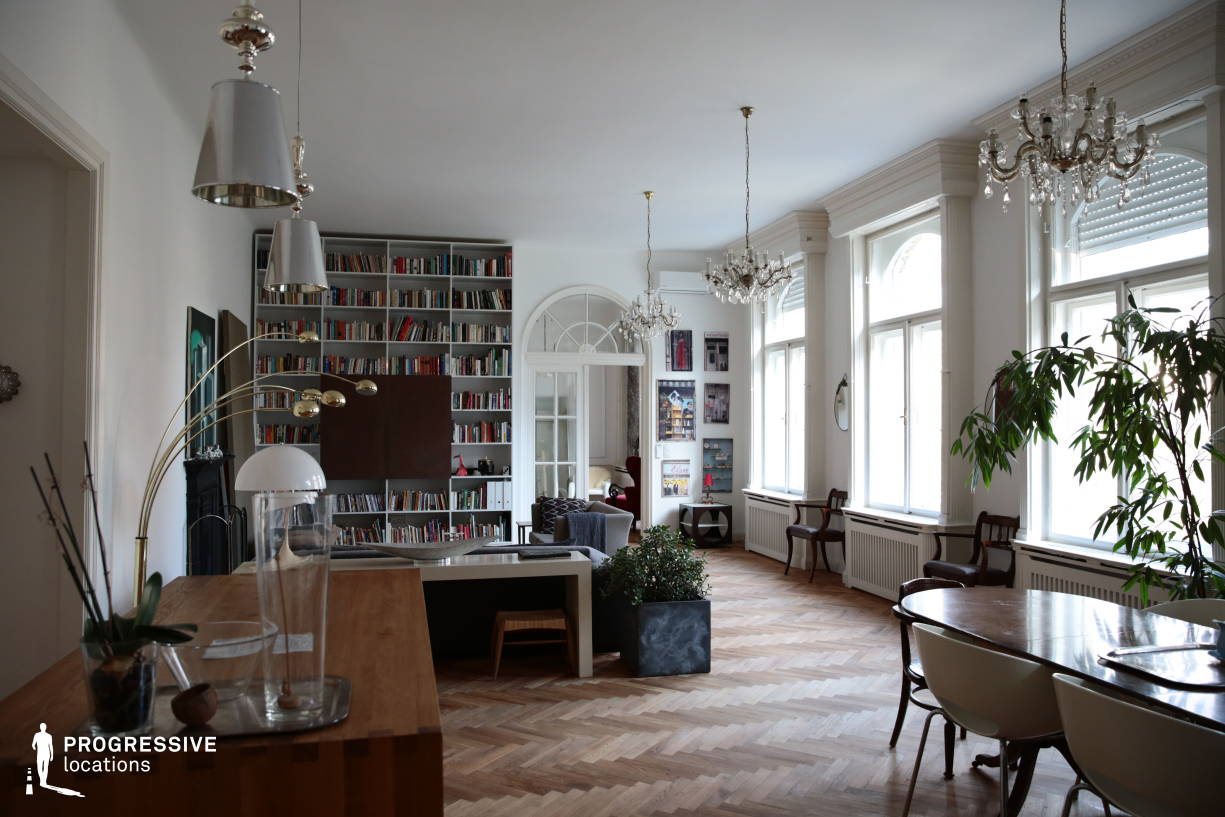 Locations in Budapest: Spacious Living Room
