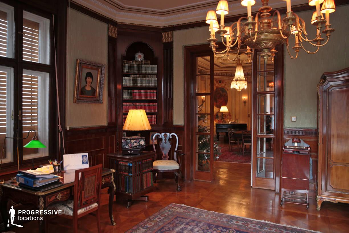 Locations in Budapest: Study Room %26 Saloon Door