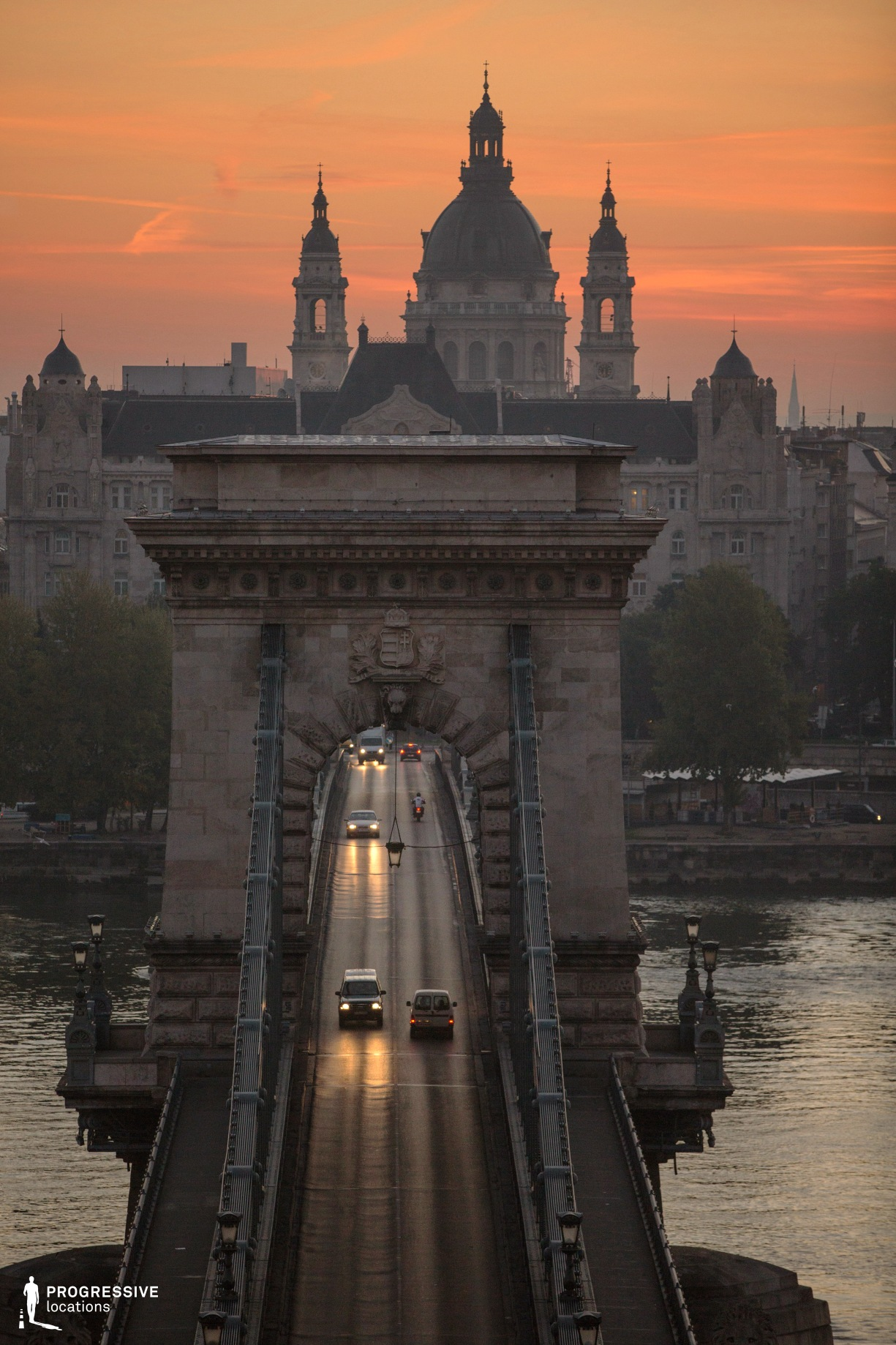 Locations in Budapest: Chain Bridge (Dawn)