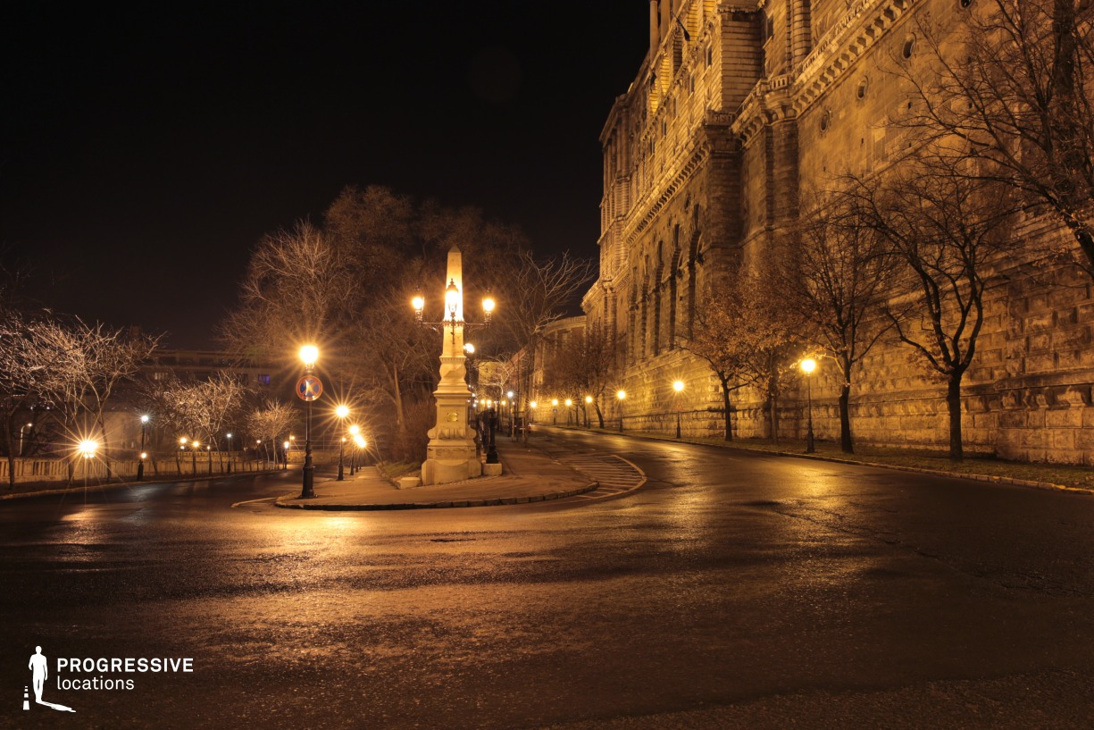 Locations in Budapest: Serpentine Road at Buda Castle