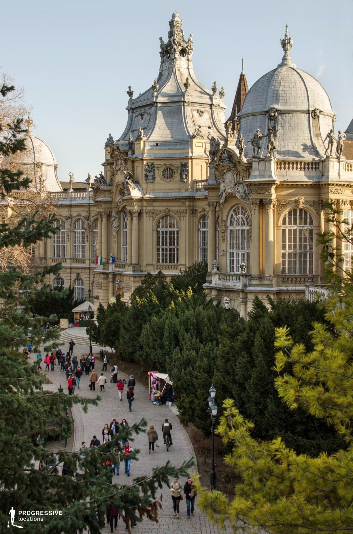 Locations in Budapest: Varosliget, Baroque Facade