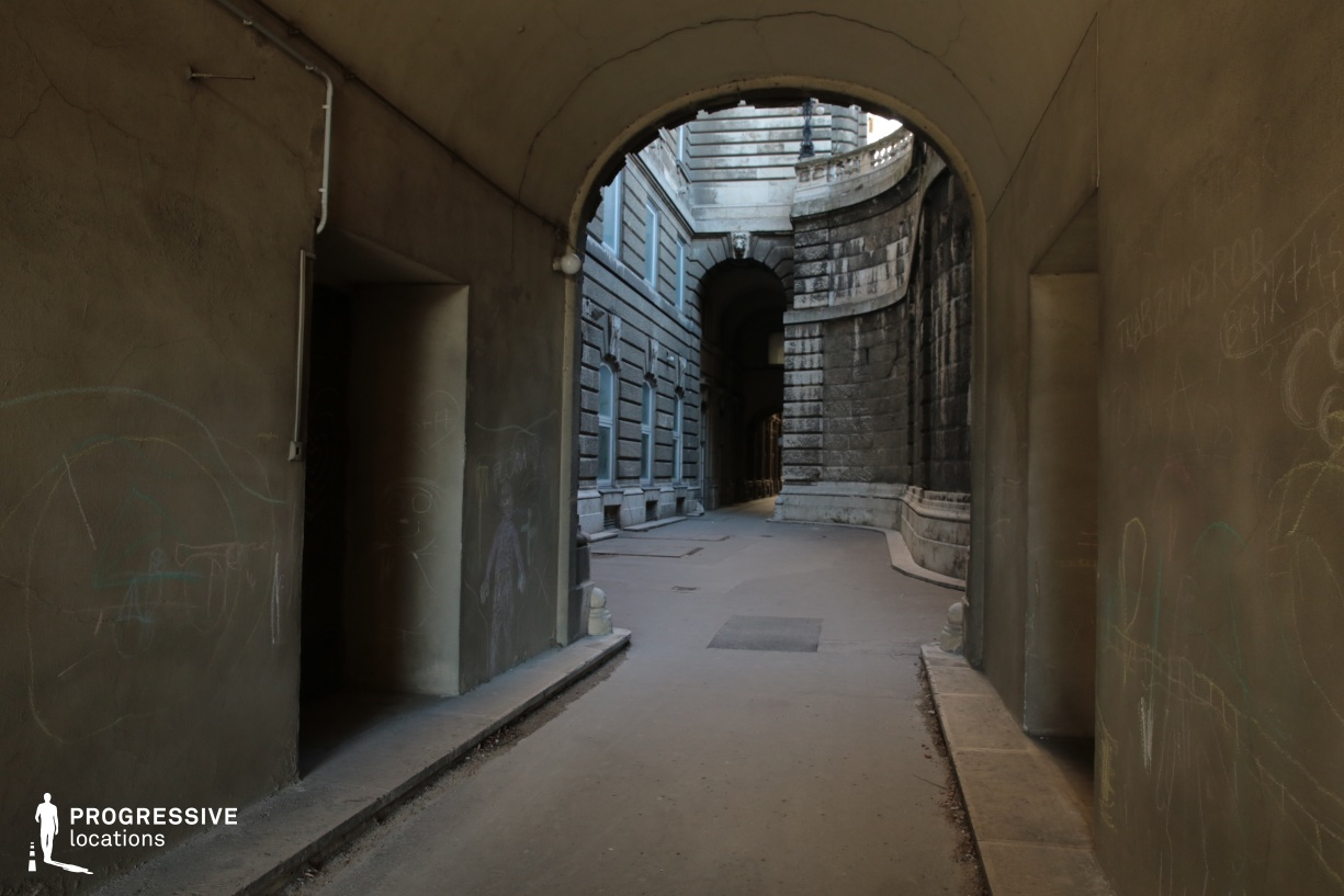 Locations in Budapest: Alley, Buda Castle