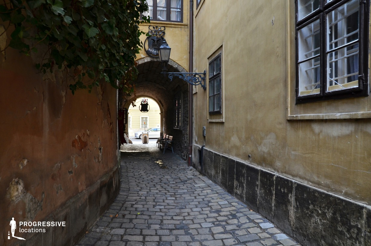 Locations in Budapest: Castle District, Alley