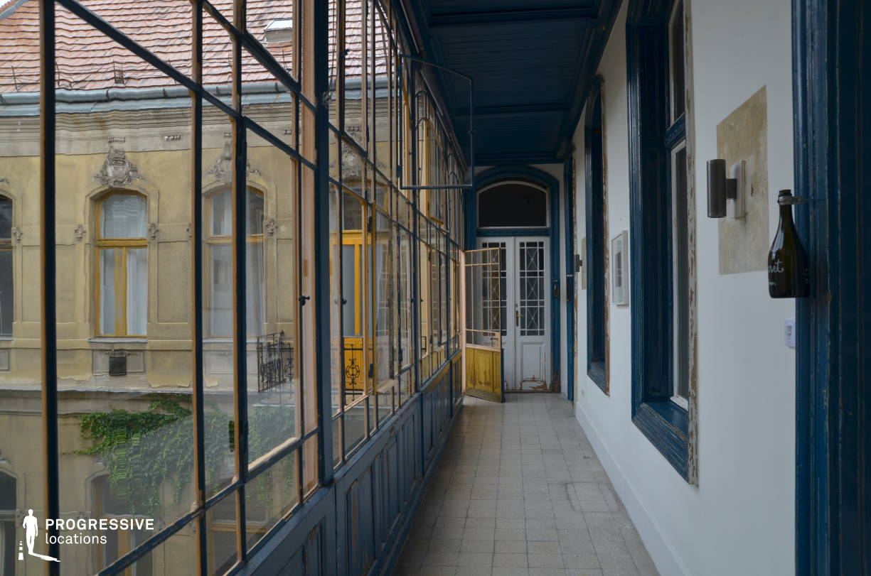 Locations in Budapest: Brody House, Loggia