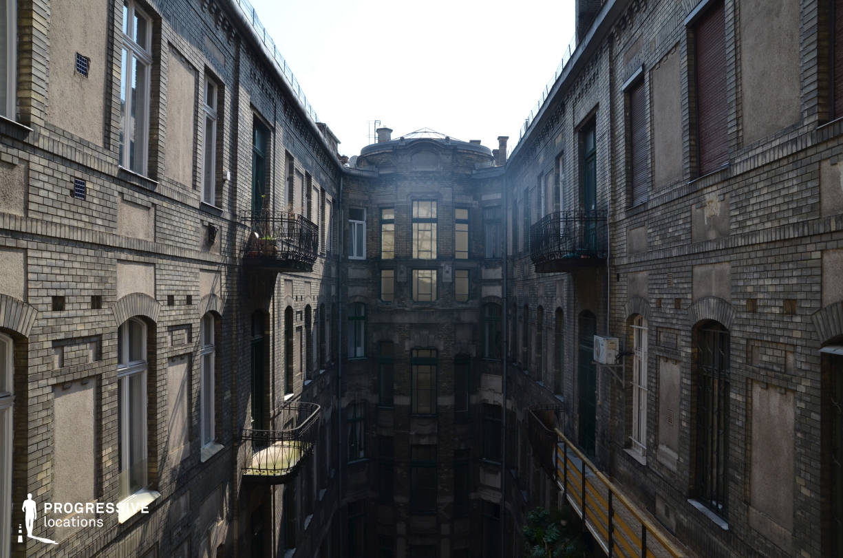 Locations in Budapest: Courtyard, Ferenciek Tere