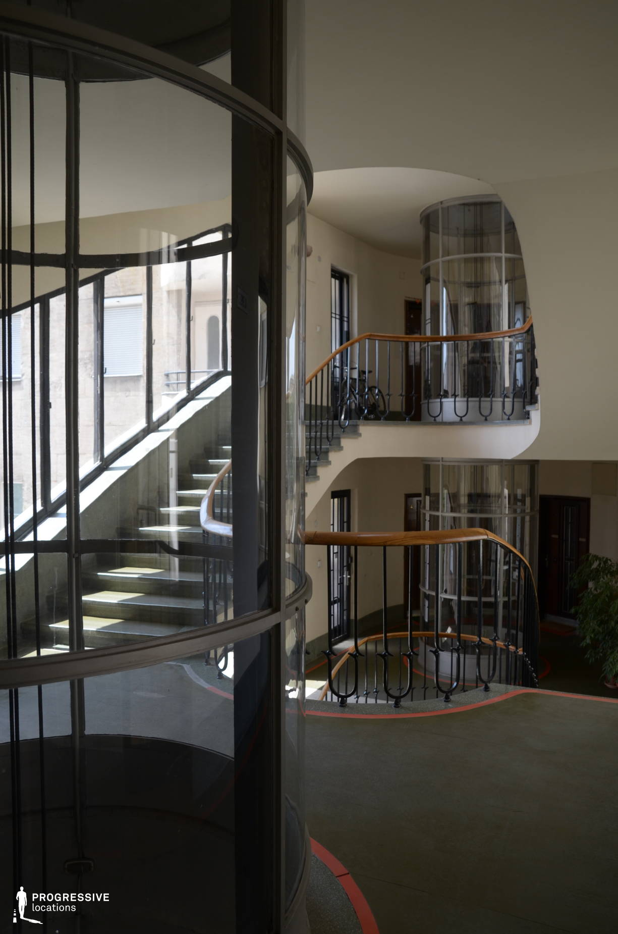 Locations in Budapest: Plexi %26 Glass Evevator, Margit Street