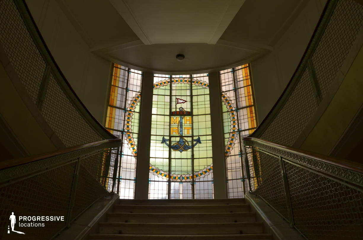 Locations in Budapest: Tiffany Glass %26 Staircase