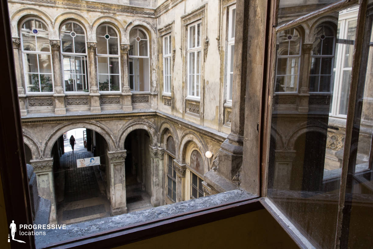 Locations in Budapest: Window, Unger Court