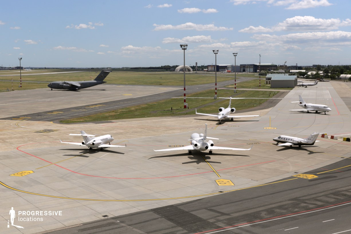 Locations in Budapest: Runway, Budapest Airport Terminal 1