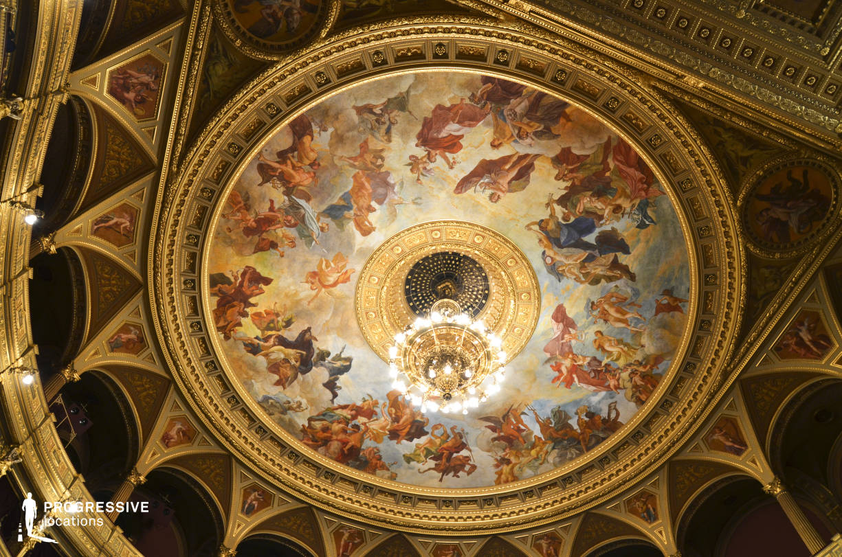 Locations in Hungary: Fresco %26 Ceiling Chandelier, Opera House