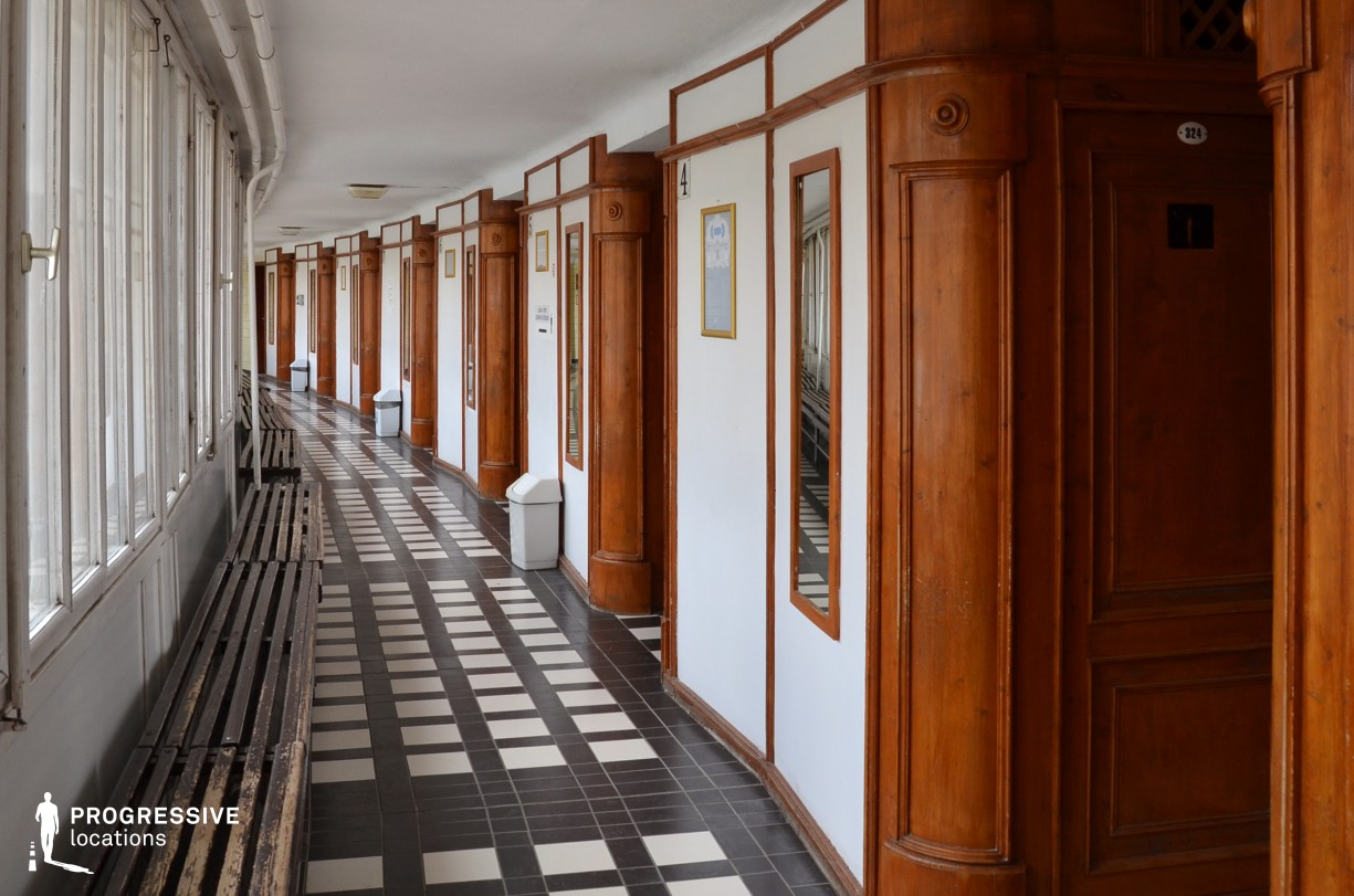 Locations in Hungary: Dressing Cabin Corridor