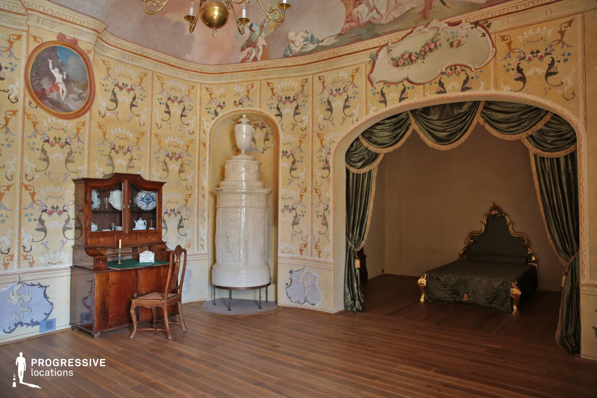 Locations in Hungary: Bedroom, Edeleny Palace