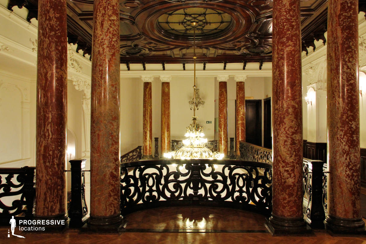 Locations in Hungary: Gallery %26 Marle Pillars, Danube Palace