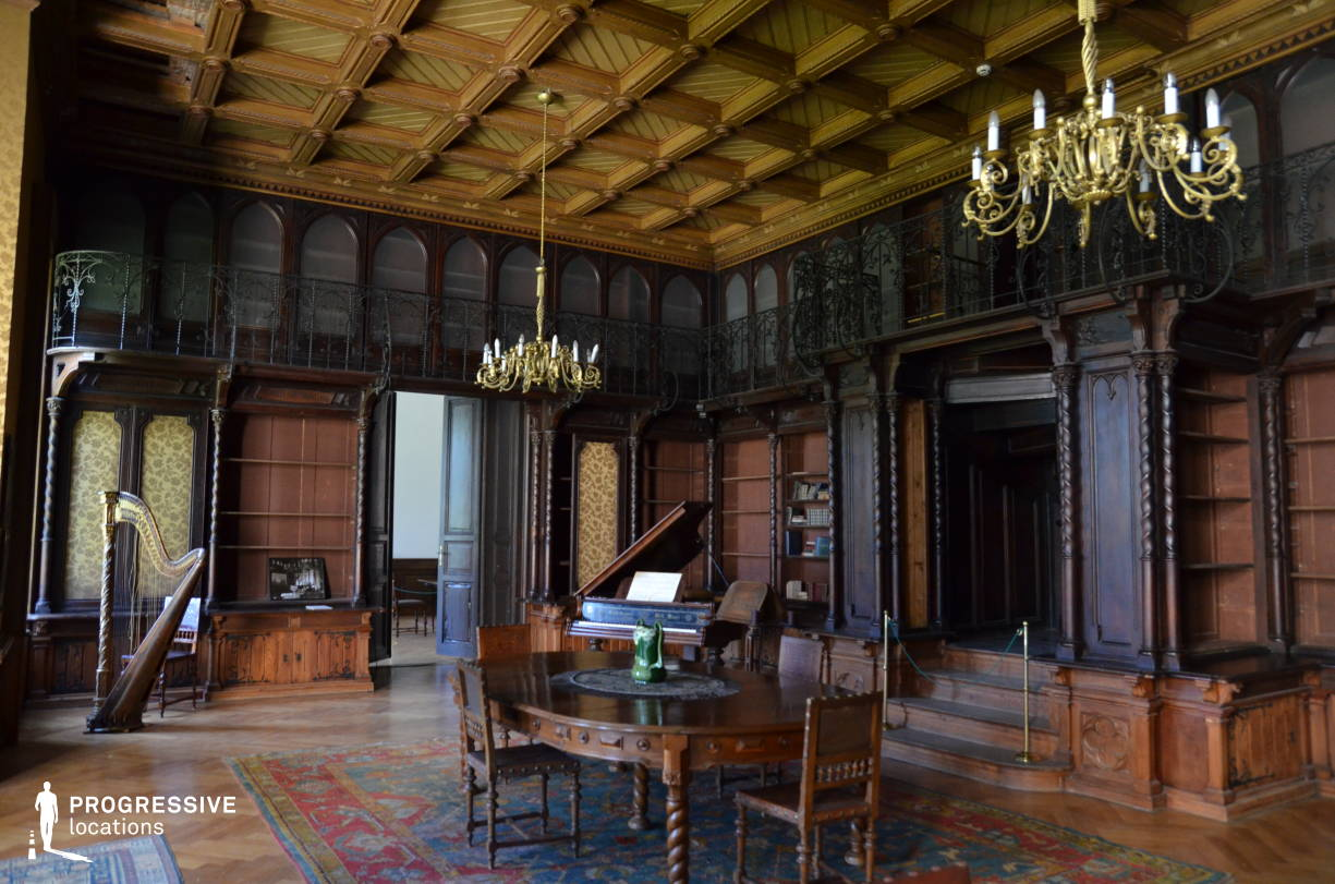 Locations in Hungary: Wooden Ornate Room, Nadasladany Castle