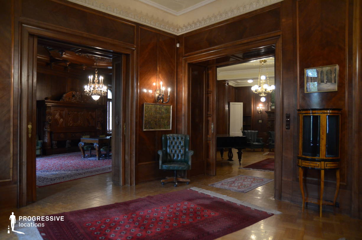 Locations in Hungary: Wooden Room, Hubner Apartment