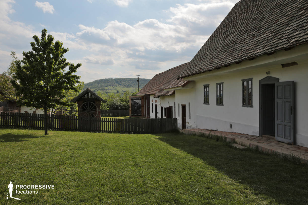 Locations in Hungary: Cottage Garden, Alfold