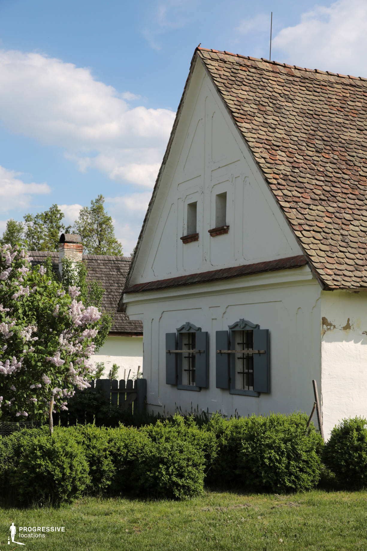 Locations in Hungary: Cottage Facade, Alföld