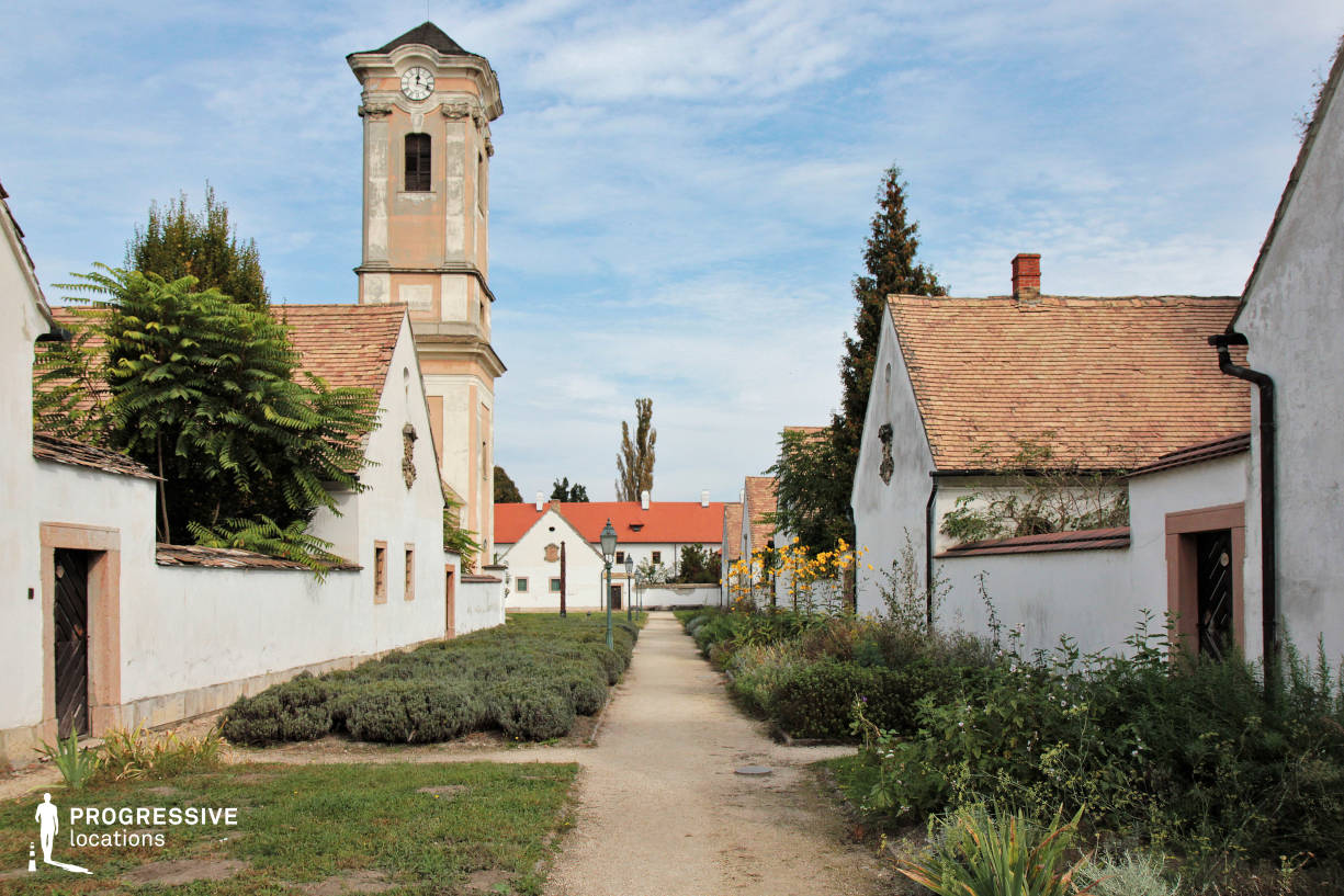 Locations in Hungary: Street with Tower, Melk