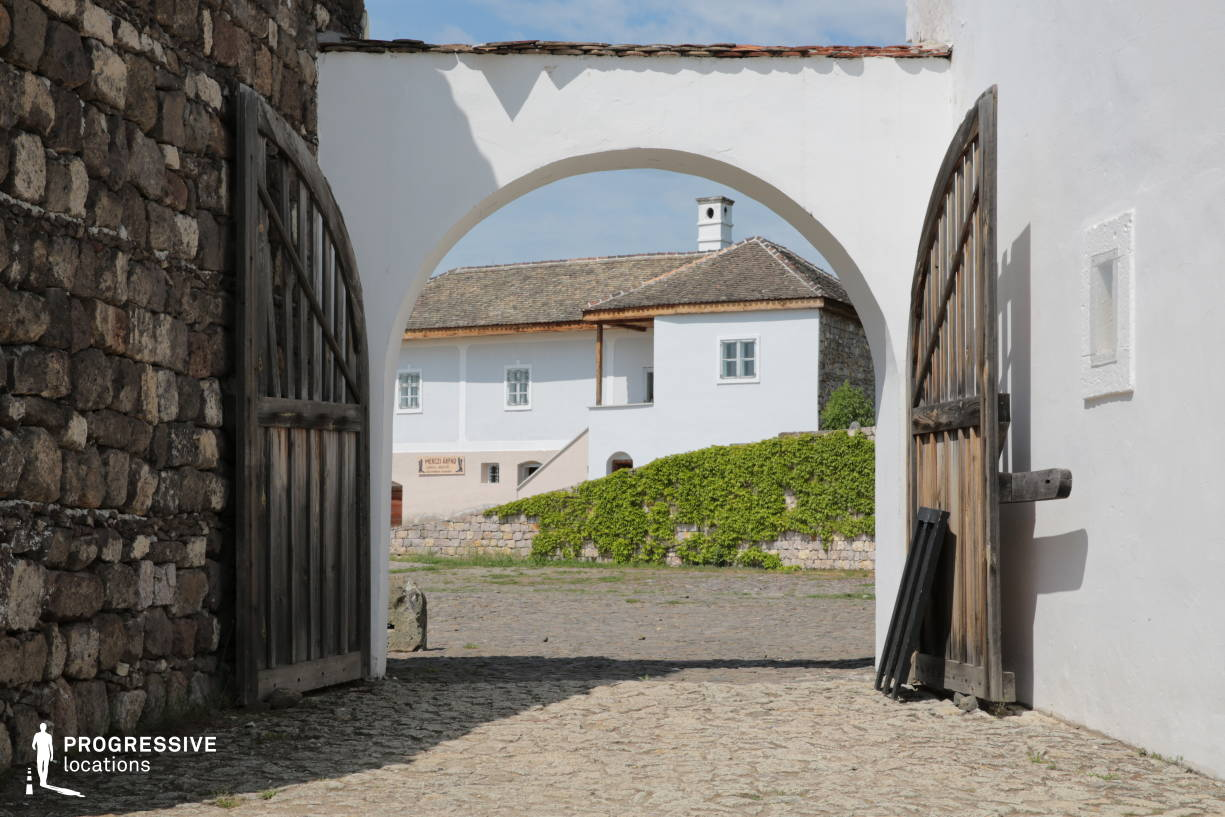 Locations in Hungary: Village Gate, Mezofold, Mediterranean