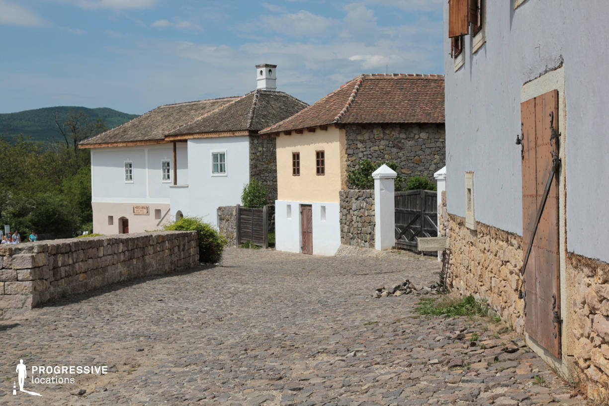 Locations in Hungary: Village Street, Mezofold
