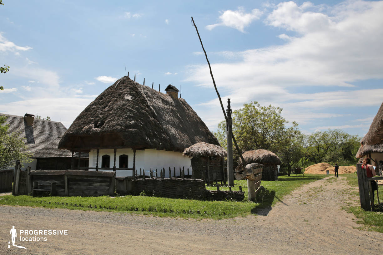 Locations in Hungary: Thatched Roof House, East Hungary