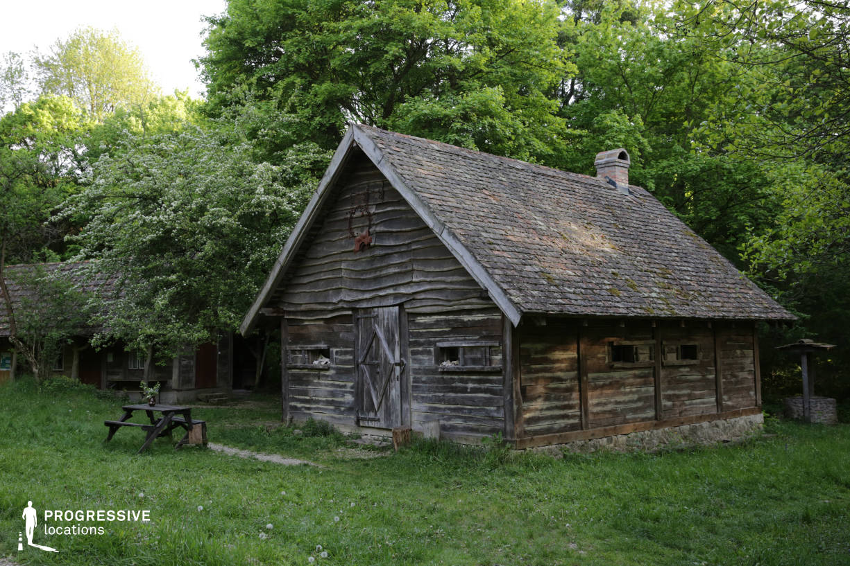 Locations in Hungary: Wooden Hut, Agostyan