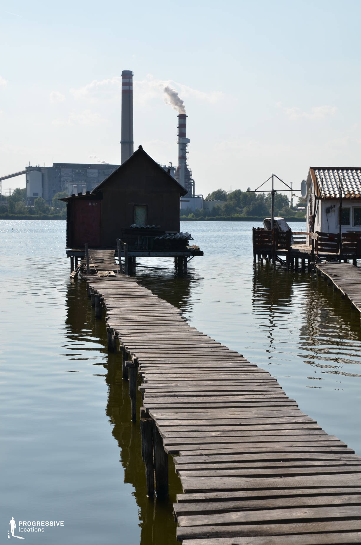 Locations in Hungary: Pier %26 Wooden House %26 Chimney, Lake Bokod