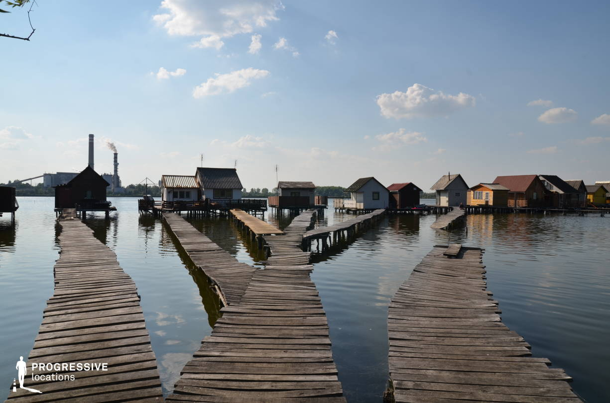 Locations in Hungary: Lake %26 Wooden Houses, Lake Bokod
