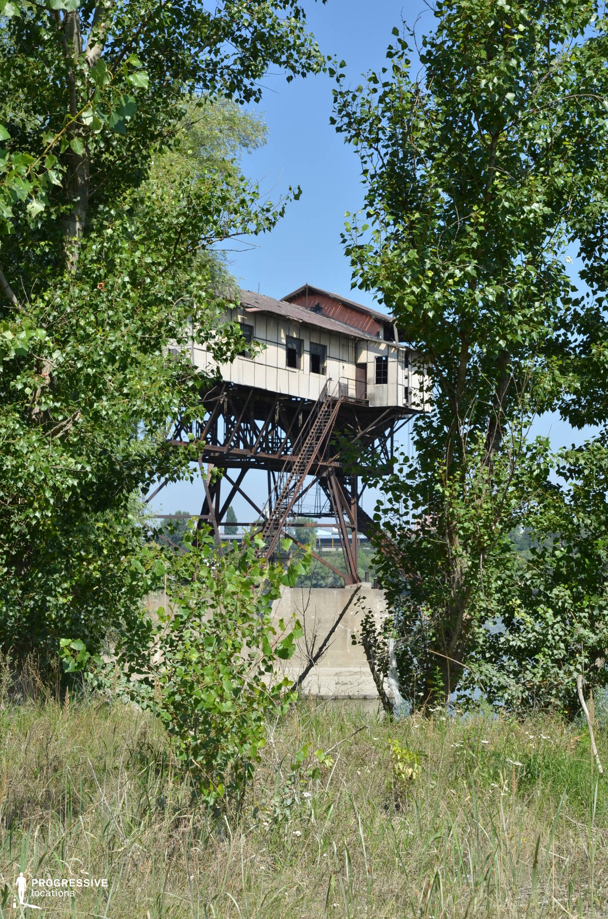 Locations in Hungary: Rivershore %26 Trees, Coal Loading Station, River Danube