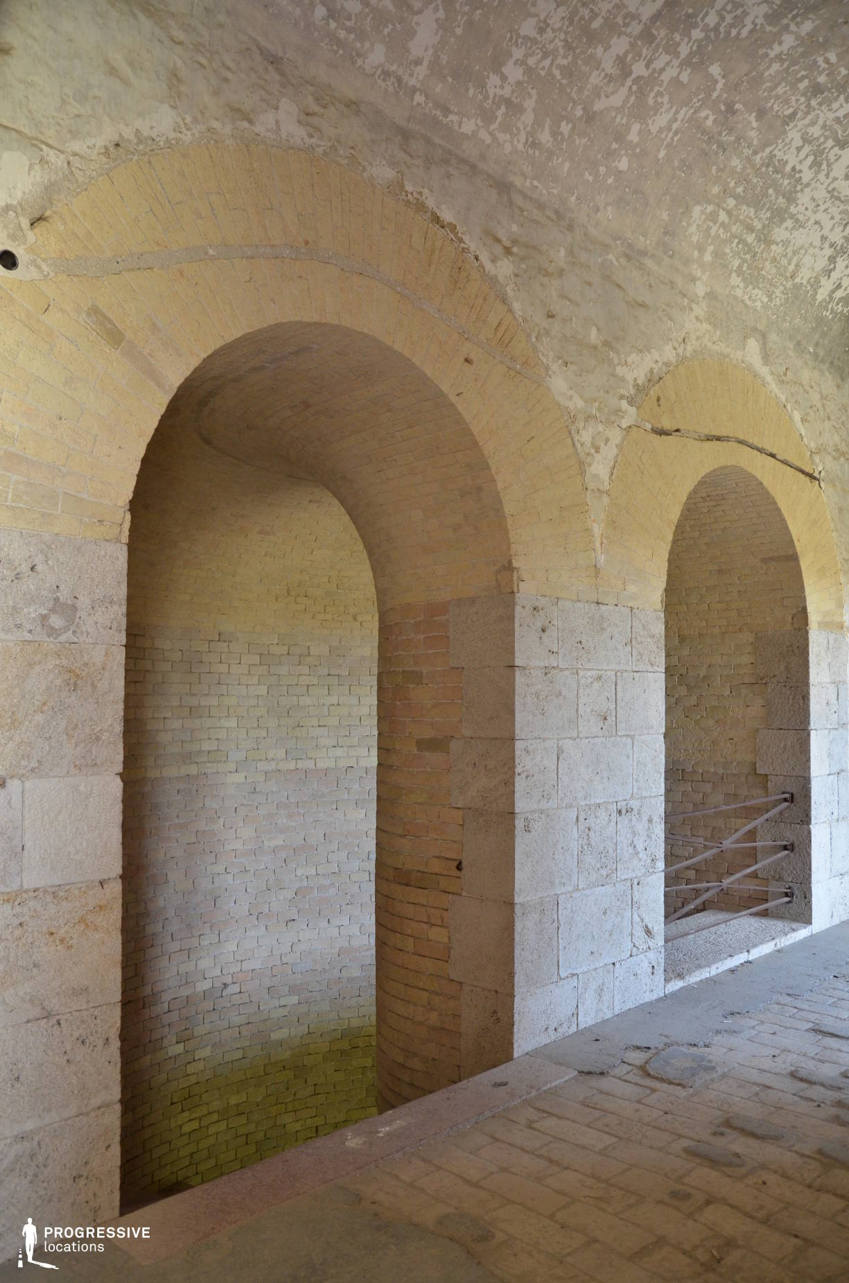 Locations in Hungary: Domed Staircase, Monosor Fortress