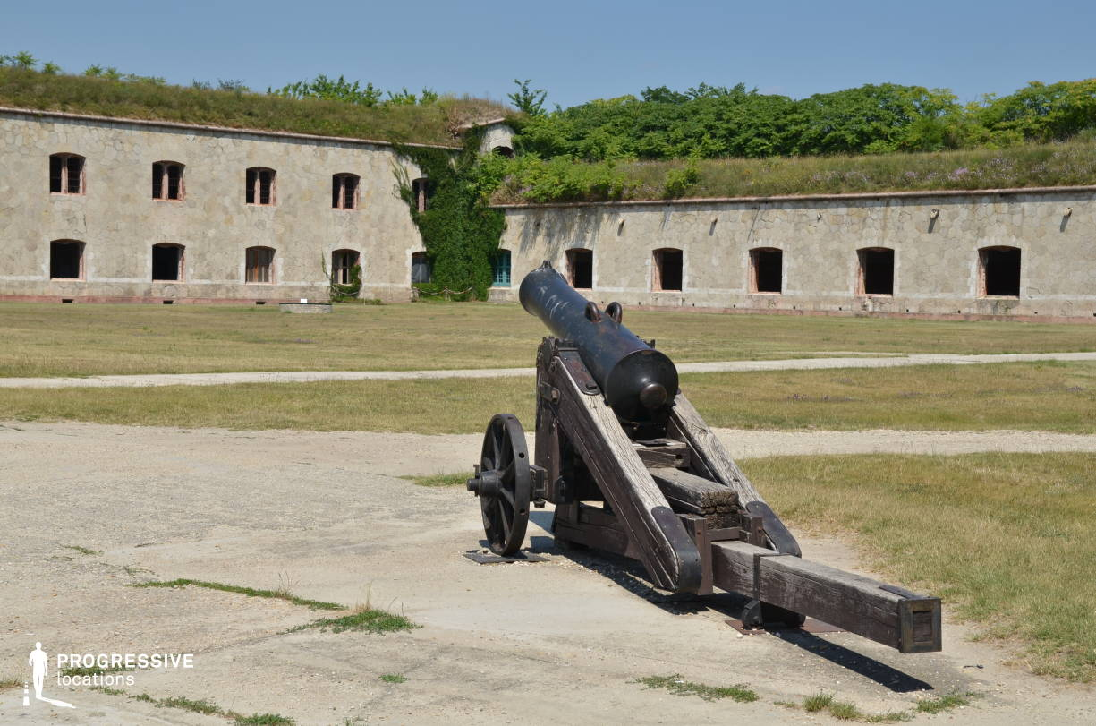 Locations in Hungary: Cannon %26 Exterior, Monostror Fortress