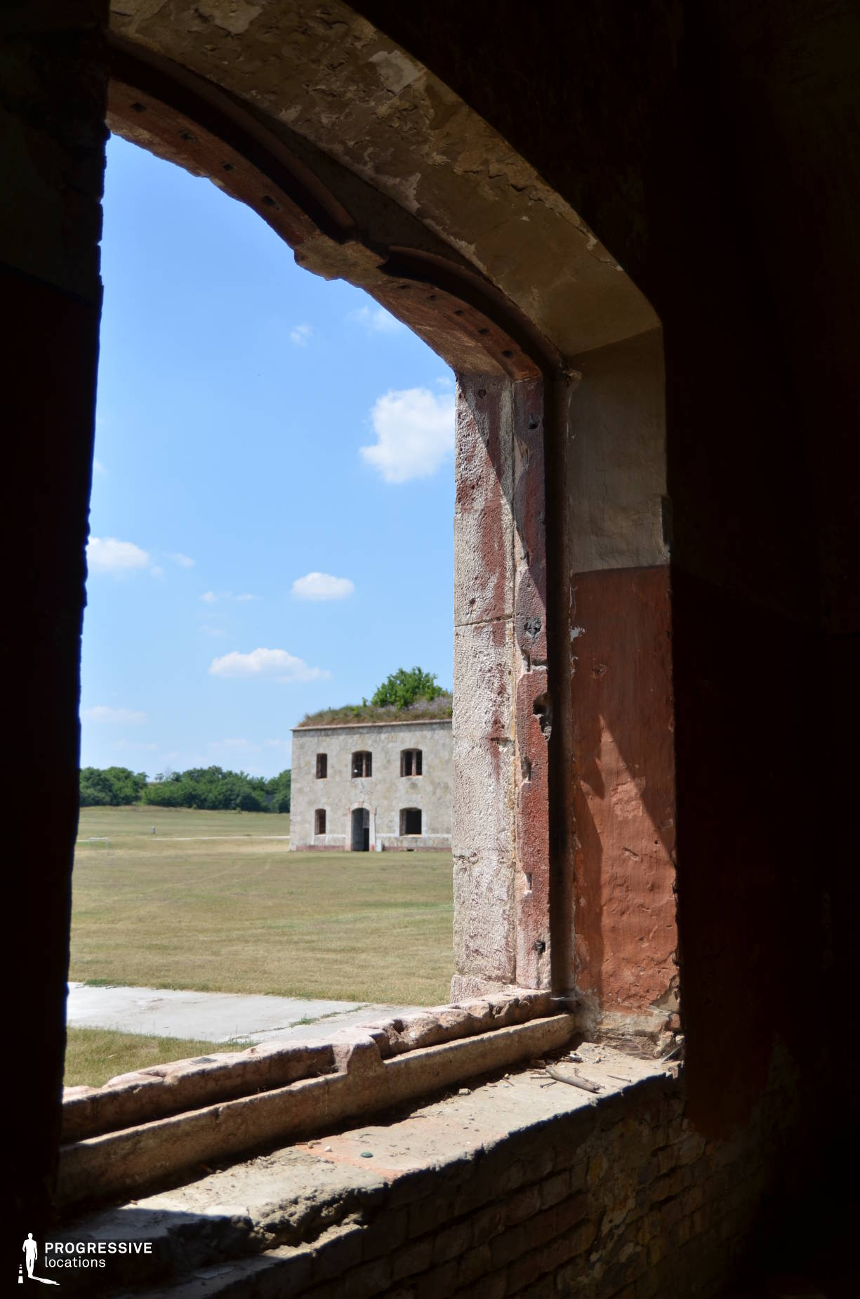 Locations in Hungary: Window, Monostor Fortress