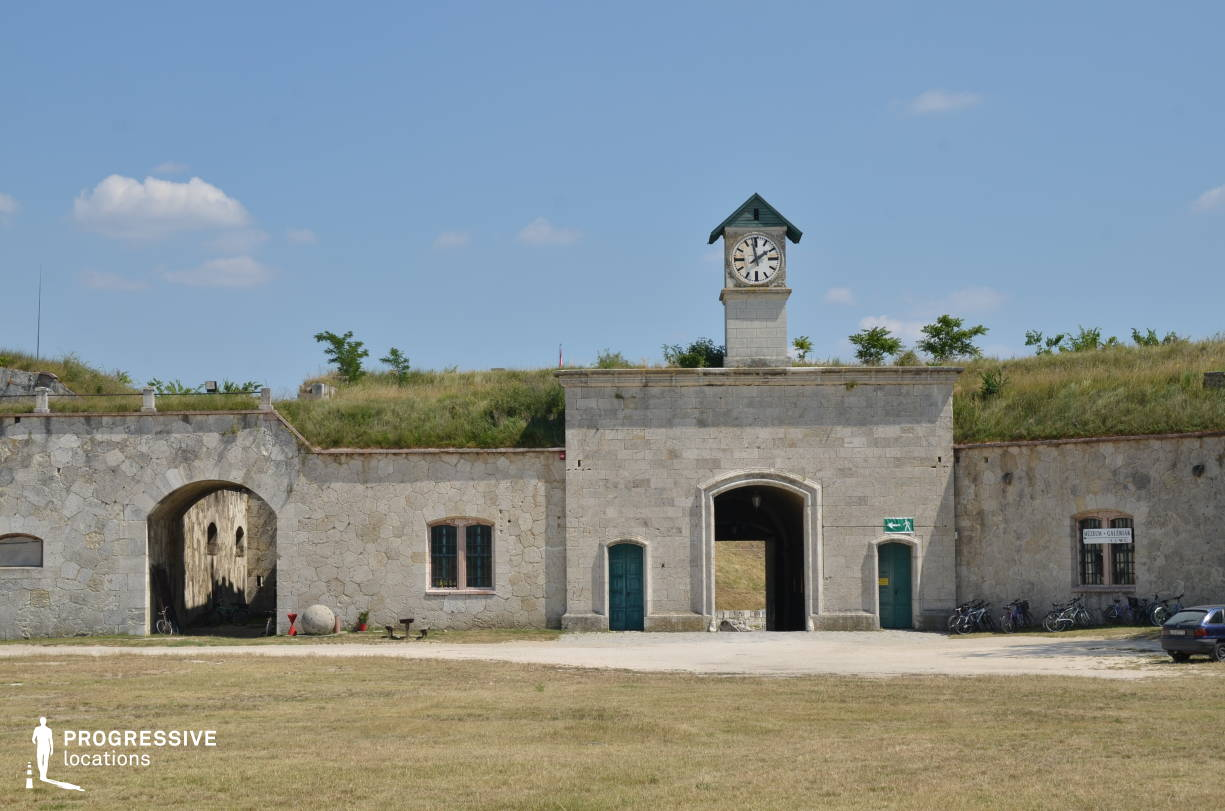 Locations in Hungary: Clock Tower, Monostor Fortress