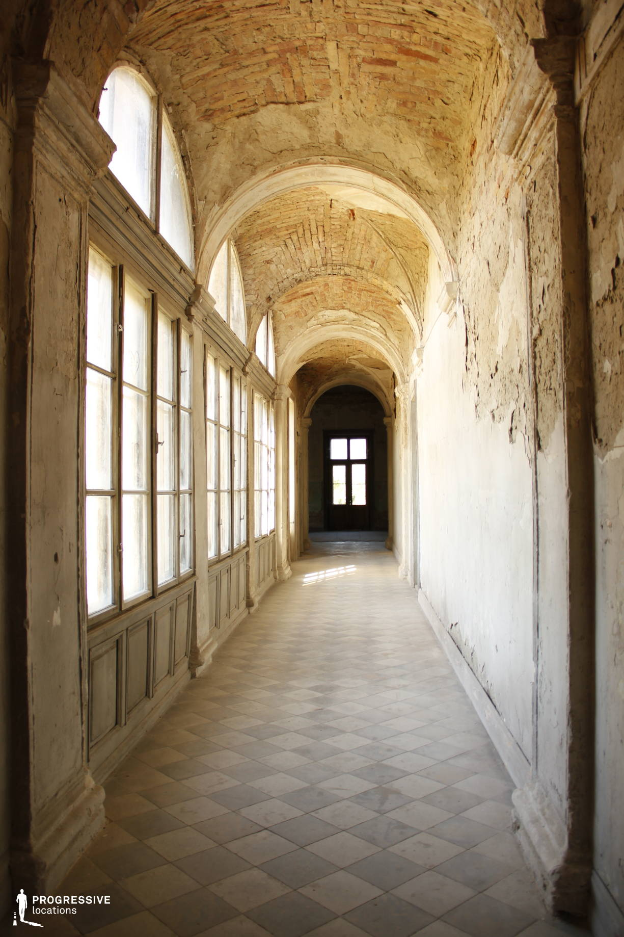 Locations in Hungary: Corridor %26 Arched Windows, Tura castle