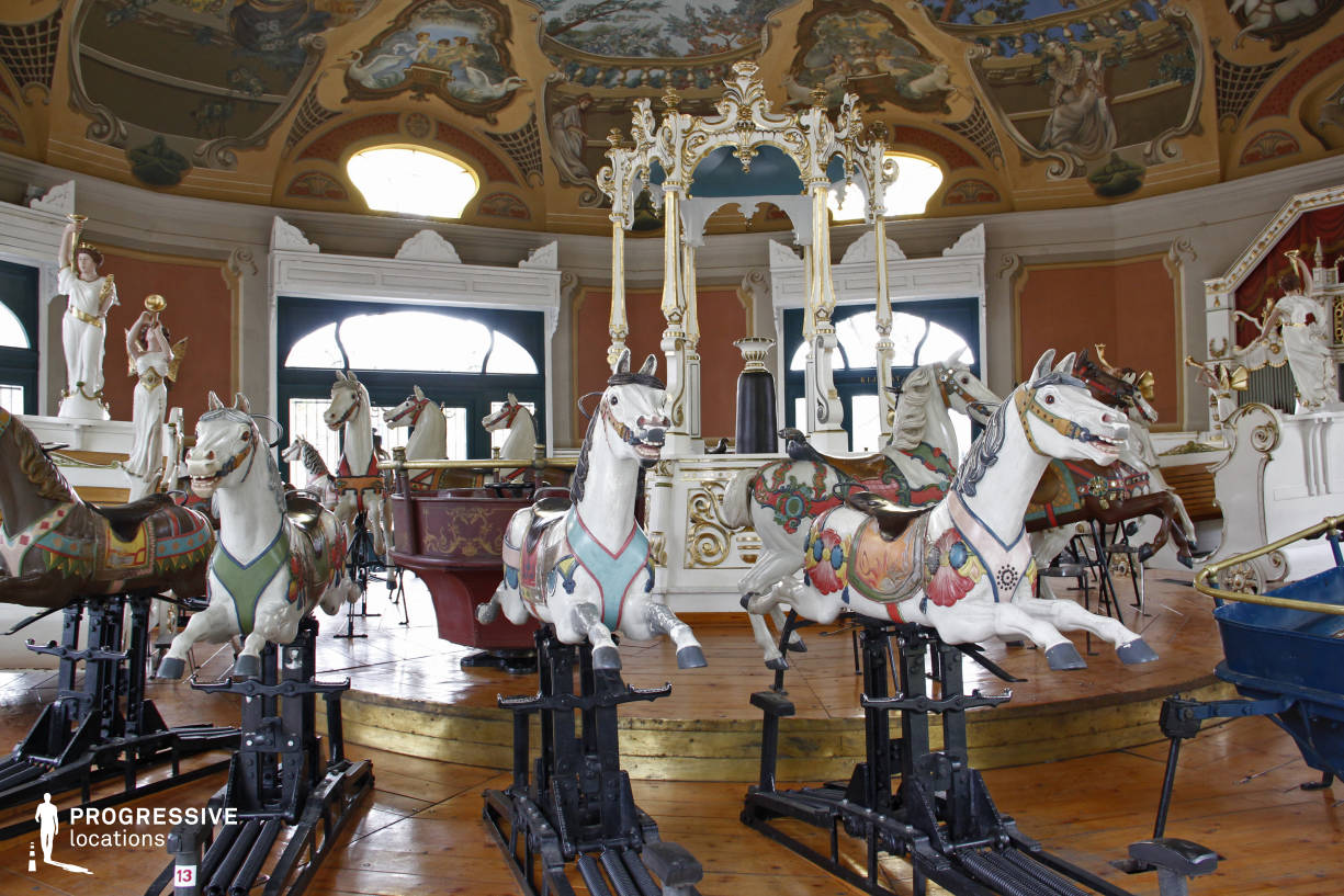 Locations in Hungary: Interior, Vitage Carousel