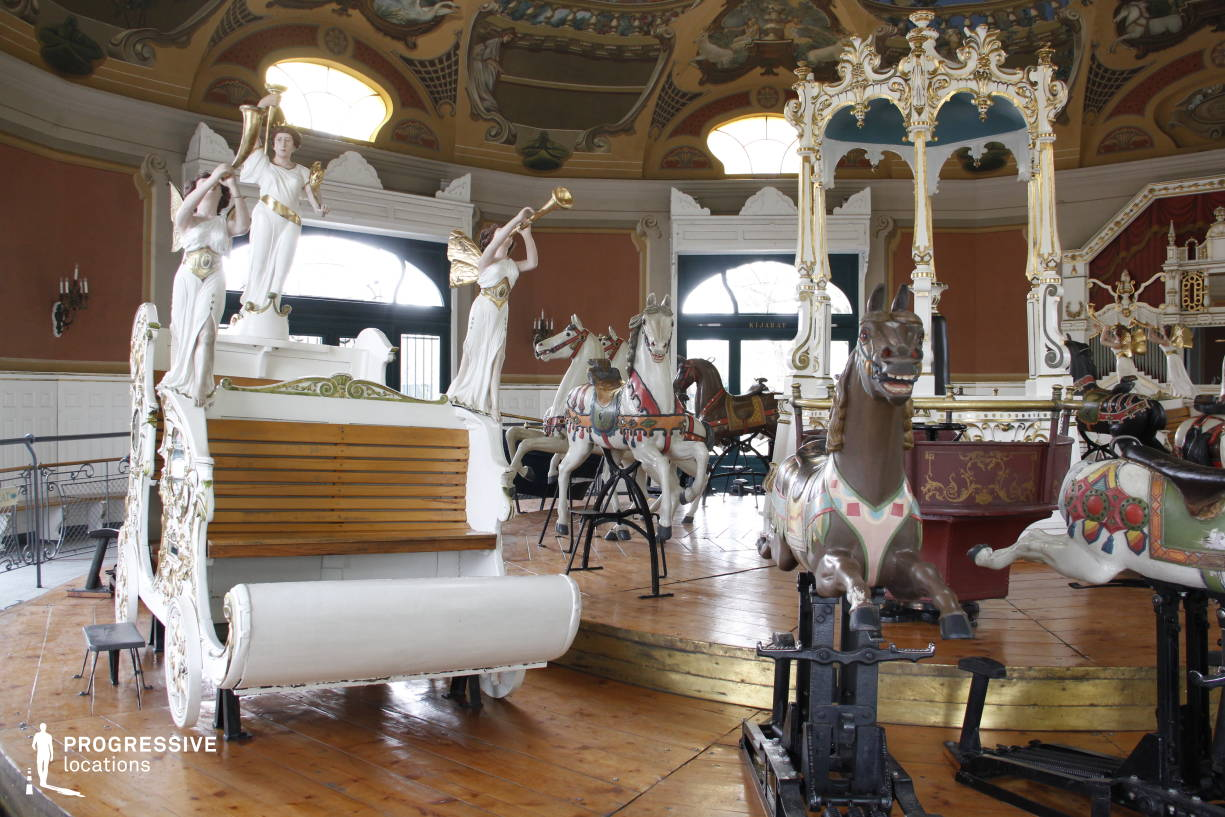Locations in Hungary: Painted Carriage, Vintage Carousel