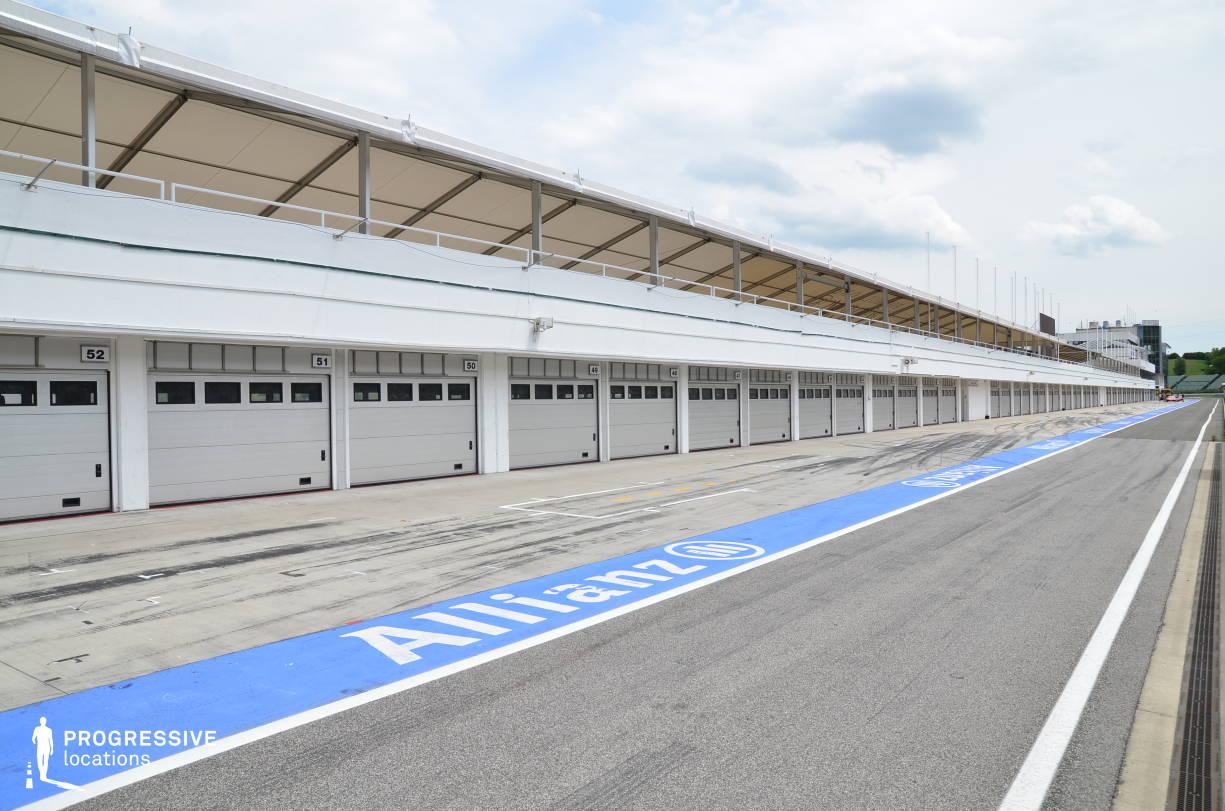 Locations in Hungary: Pit Lane %26 Garages, Hungaroring