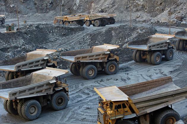АЛРОСА в 2015 г планирует рост добычи алмазов на 6%.