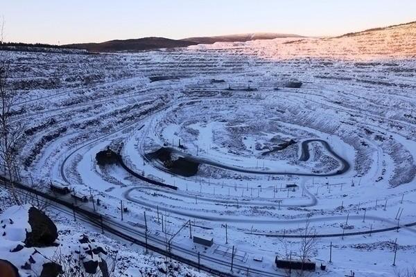 Качканарский ГОК в 2015 году запускает новую технологию добычи руды на Северном карьере.