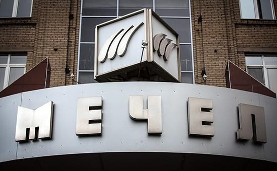 ВТБ подал иск к «Мечелу» на сумму 50,18 миллиарда рублей.