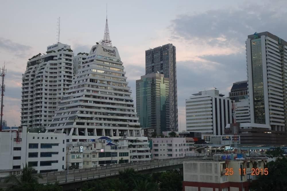 Diamond Tower  Condominium