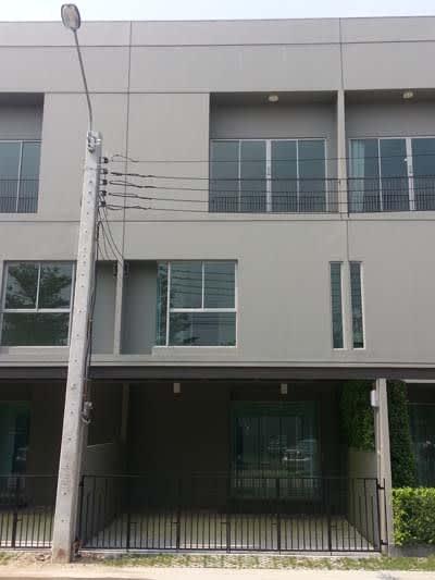 ให้เช่าทาวน์โฮม 3 ชั้น หมู่บ้าน PATIO เมืองทองธานี