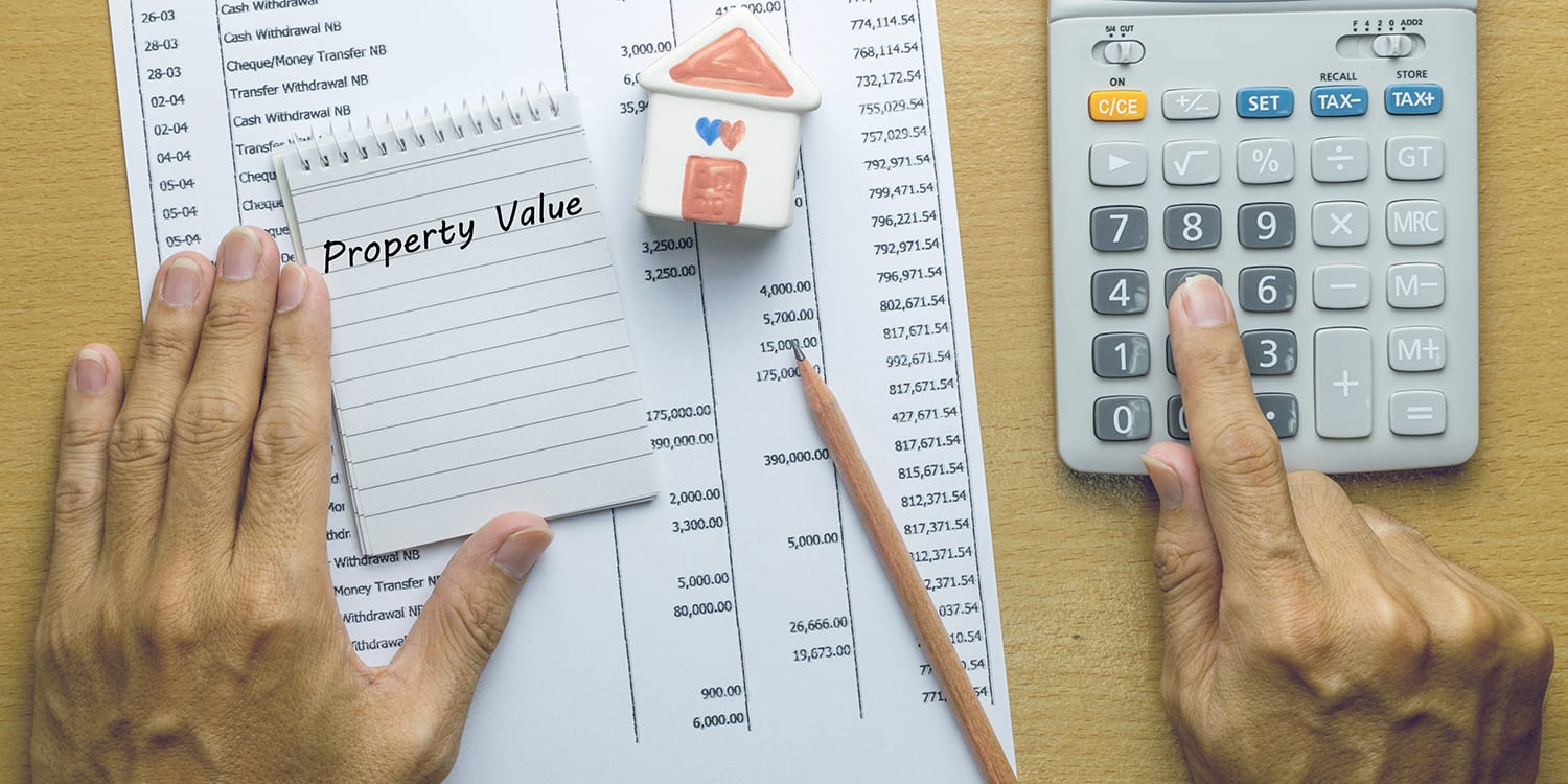 Rental property owner bookkeeping and adding up expenses