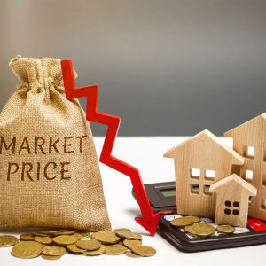 House losing value with market prices dropping.